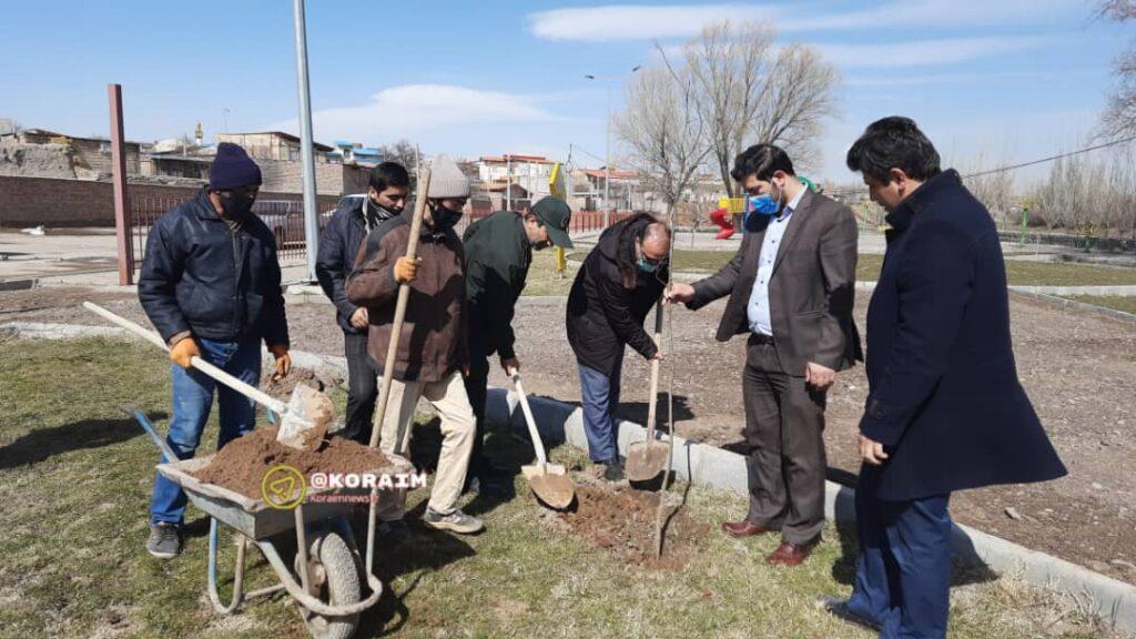 روز درختکاری در شهر کورائیم